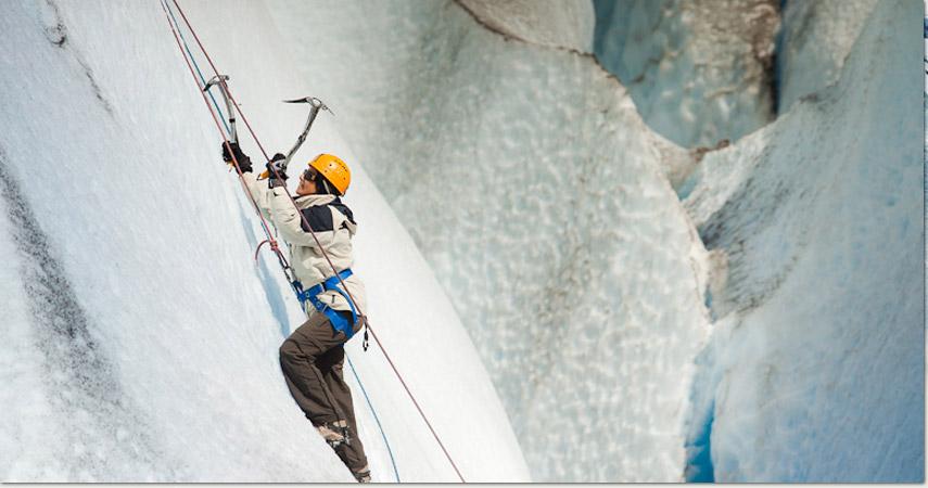 escalada en hielo patagonia tours